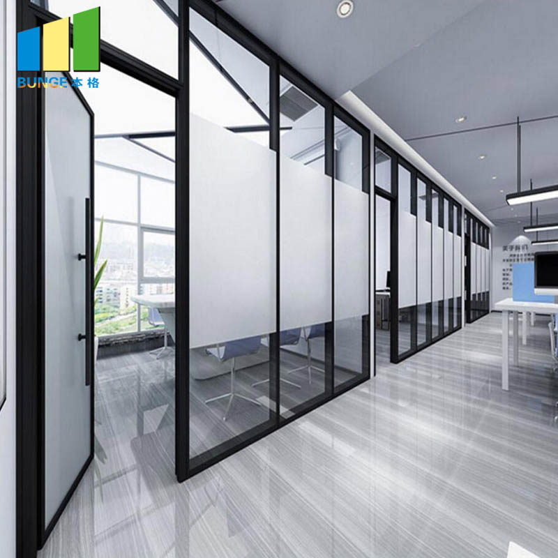 Designs on the best of both worlds  -  building a partition wall