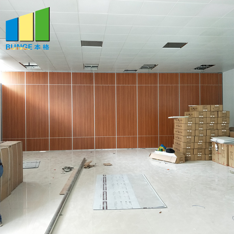 Soundproof Material Sliding Aluminium Track Operable Wall Partition for Restaurant